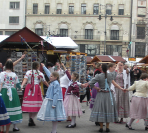 Hungarian Girls Traditional Dance Budapest Easter Market Cet Academic Programs