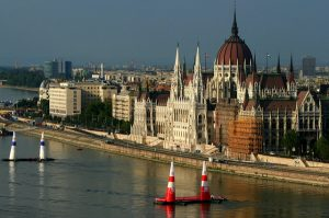 Reb Bull Air Race in Budapest by zsoolt